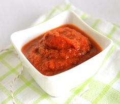 Did you know most store-bought, pre-packaged tomato sauce contains high amounts of sugar! Try our sugar free recipe. Sugar Free Tomato Sauce, Tomato Sauce Recipe, Healthy Meals For Kids, Healthy Recipes, Healthy Food, Healthy Eating, Sugar Free Recipes, Gluten Free Recipes, Happy Diet