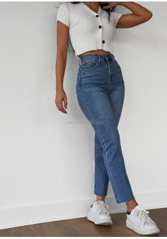 Teen Fashion Outfits, Retro Outfits, Cute Casual Outfits, Jean Outfits, Simple Outfits, Stylish Outfits, Outfits With Mom Jeans, Mom Jeans Outfit Summer, Outfit Jeans