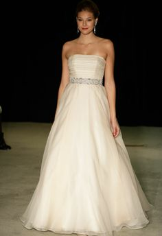 so nice wedding dress,it's gorgeous wedding dress that I am always....
