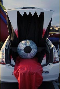 Trunk or treat Monster mouth Trunk or treat Trunk or treat Mo Holidays Halloween, Halloween Treats, Happy Halloween, Halloween Decorations, Halloween Party, Halloween Costumes, Halloween Camping, Halloween Zombie, Halloween House