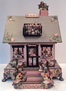 annes papercreations: Graphic 45 Children`s Hour House Boxed Mini Album Box Houses, Paper Houses, Cardboard Houses, Paper Folding Crafts, Paper Crafts, Memory Album, Mini Album Tutorial, Diy Gift Box, Glitter Houses