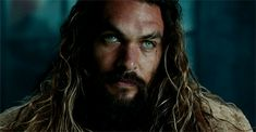 Jason Momoa as Arthur Curry/Aquaman in Justice League Jason Momoa Aquaman, Jason Momoa Gif, Jason Statham, Dc Comics, Most Beautiful Man, Gorgeous Men, Jason Momoa Frontier, Teen Wolf, Arthur Curry
