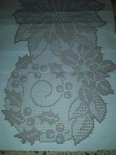 Romans Z Szydełkiem: Najpiękniejsze Serwety I Obrusy - Diy Crafts - - Diy Crafts Crochet Snowflake Pattern, Crochet Coaster Pattern, Crochet Motif Patterns, Filet Crochet Charts, Crochet Snowflakes, Crochet Stitches, Crochet Table Runner, Crochet Tablecloth, Crochet Doilies