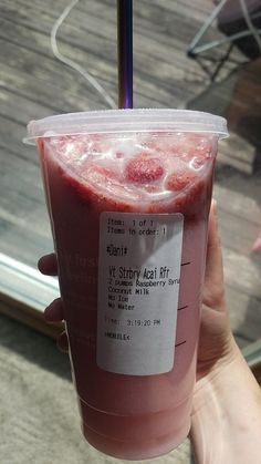 Pink Starburst Starbucks Drink - Starbucks - A-Z Finance Plan (For Life) Starbucks Hacks, Starbucks Frappuccino, Low Carb Starbucks Drinks, Starbucks Tea, Starbucks Secret Menu Drinks, Starbucks Refreshers, Strawberry Acai, Strawberry Lemonade, Sweets