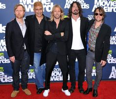 Foo Fighters - Dave Grohl, Chris Shiflett, Nate Mendel, Pat Smear, Taylor Hawkins.
