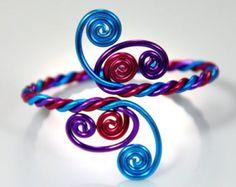 Spiral Burst Adjustable Bracelet di melissawoods su Etsy