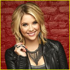 CBS has announced that Ashley Benson will guest star on an upcoming episode of How I Met Your Mother airing January 21.