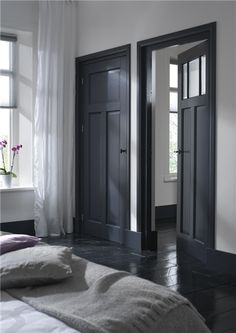 Dark doors and black floor Dark Doors, Grey Doors, Grey Internal Doors, Interior Styling, Interior Design, Interior Office, Black Floor, White Walls, Dark Walls