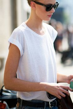 LOVE Street Style | Just a white tee shirt