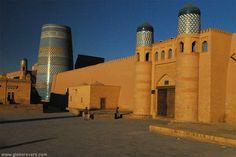 Kalta-minor Minaret (left) and Khuna Ark, Khiva, UZBEKISTAN