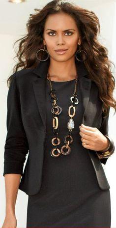 #Cropped Blazer  Black Blazer #2dayslook #new #BlackBlazer #fashion  www.2dayslook.nl