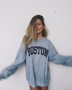 — The hottest teen models in — www. Vintage Sweatshirt, Sweatshirt Dress, Casual Outfits, Cute Outfits, Lazy Outfits, Simple Outfits, Girl Outfits, Foto Casual, Inspiration Mode