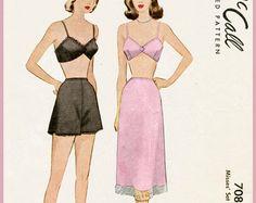 e7bdc95e4b7 modèle de lingerie des années 1940