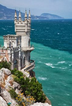 Swallow's Nest castle, Yalta, Crimea, Ukraine - Travelers Feed