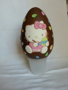 Hello Kitty painting easter egg chocolate.