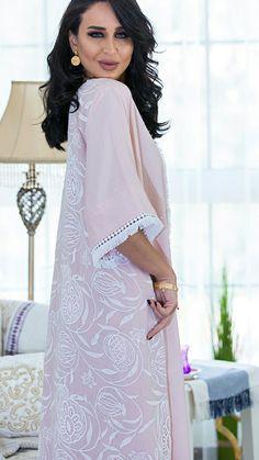 Arab Fashion, Muslim Fashion, Fashion Wear, Fashion Outfits, Kaftan Style, Caftan Dress, Arabic Dress, Muslim Dress, Oriental Fashion