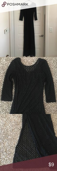 🌞 Forever 21 Black Crochet/Mesh Maxi Dress F21 black maxi dress crochet/mesh style, the liner starts at armpit level and is mini dress length. It has slits on both sides that come stop right below the liner. Very cute and summery. Worn twice and in good condition. Forever 21 Dresses Maxi