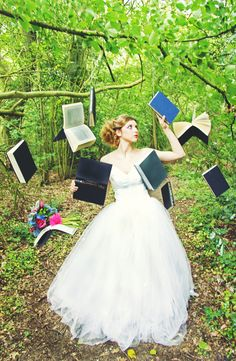 Alice in Wonderland styled shoot. This would make a cool senior picture, except not wearing the dress