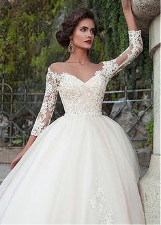 Buy discount Attractive Tulle Bateau Neckline Ball Gown Wedding Dresses With Lace Appliques at Magbridal.com
