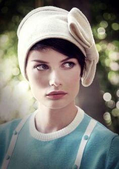 Modepilot-Delphine Quirin-Hut-Mütze-Mode-Fashion-Tipp-Label to watch-Fashion-Blog