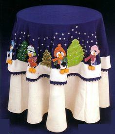 muñecos de navidad - Buscar con Google Christmas Applique, Christmas Sewing, Christmas Pillow, Christmas Love, Merry Christmas, Felt Crafts, Crafts To Make, Diy Crafts, Christmas Tablescapes