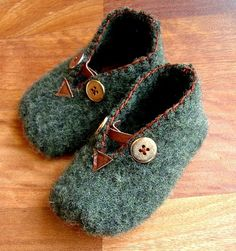 Baby booties made from a felted wool sweater. Loving all the details. by beryl