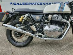 royal enfield new model Enfield Bike, Enfield Motorcycle, Motorcycle Exhaust, Motorcycle Style, Ducati St3, Gt Continental, Royal Enfield Accessories, Royal Enfield Modified, Enfield Classic