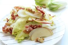 Amazing Chicory salad with apple, nuts and bacon Healthy Soda, Healthy Smoothies, Healthy Drinks, Pumpkin Spice Cookie Recipe, Chicory Salad, Best Diets, Bacon, Meals, Ethnic Recipes