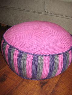 Ravelry: Sitting Bag/ Puff/ Pouf pattern by Sonea Delvon crochet Crochet Pouf Pattern, Crochet Wool, Crochet Cushions, Crochet Pillow, Bead Crochet, Cute Crochet, Crochet Patterns, Ravelry Crochet, Crochet Home Decor
