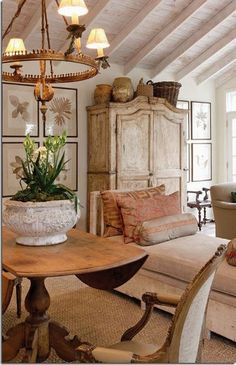 38 Wonderful French Country Living Room Decor Ideas - Page 36 of 42 French Country Rug, French Country Kitchens, French Country Living Room, French Country Bedrooms, French Country Decorating, Country Style, French Farmhouse, Country Farmhouse, French Rustic Decor