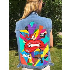 Jacket .handmade.100$ @_bones_and_diamonds_ Painted Denim Jacket, Painted Jeans, Painted Clothes, Hand Painted, Pink Fashion, Denim Fashion, Jean Jacket Design, Gilet Jeans, Denim Art