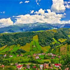 Moeciu, Romania Beautiful destination. www.haisitu.ro #haisitu #travel #world #road