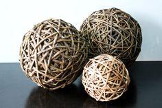 nito-accent-balls.jpg 600×401 píxeles