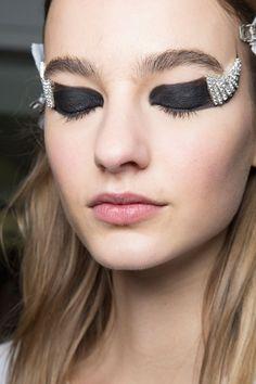 Pin for Later: Les Meilleurs Looks Beauté Vus Pendant le Mois de la Mode Anthony Vaccarello Automne/Hiver 2016