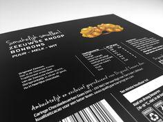 UIT ZEELAND. VOOR JOU! | Een nieuw doosje van 9 bonbons ontworpen voor Origineel Zeeuws met als 'special' het Zeeuws meisje en het logo uitgesneden. Vóór de feestdagen onthullen wij nog meer nieuws! - #Zeeland #origineel #Zeeuws met #Zeeuwsmeisje. #Verpakking #ontwerp voor #bonbons van #ontwerpbureau #tentypografie #Vlissingen