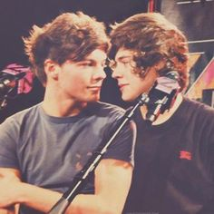 Imagen de larry, larry stylinson, and one direction Larry Stylinson, One Direction Fotos, One Direction Pictures, Direction Quotes, I Believe In Love, My Love, Foto One, We Heart It, Larry Shippers