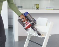 The Dyson V6 Total Clean Review #Dyson #DysonV6 #V6 #cordless #DysonHoover