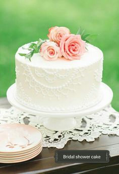 So dainty and lovely for an elegant bridal shower. <3