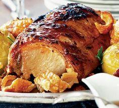 Pernil asado (a pork roast, Puerto Rican in this case) Bbc Good Food Recipes, Great Recipes, Favorite Recipes, Healthy Recipes, Yummy Food, Pork Ham, Pork Loin, Baked Pork, Pork Recipes
