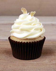 Apricot Ginger cupcake by Blue Bird Bake Shop #orlando
