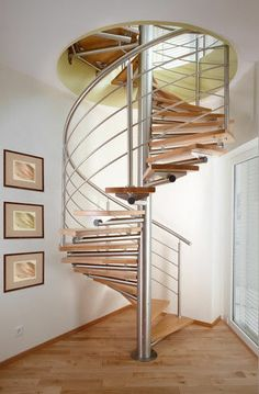 Spiral staircase (stainless steel frame and wood steps) ROMEO®WOOD Novum