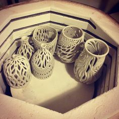 Loading the kiln. First firing rules ❤️ Essa semana tem queima. Pottery Kiln, Pottery Sculpture, Ceramic Pottery, Pottery Art, Thrown Pottery, Ceramic Sculptures, Ceramic Techniques, Pottery Techniques, Ceramic Studio