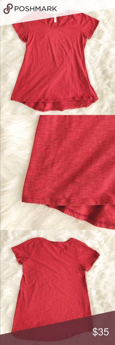 • Lularoe • Perfect Tee - LulaRoe  - Perfect Tee - Worn Once  - Size Small  - Burnt Orange-Red/Tiny Black Stripes  - Excellent Condition LuLaRoe Tops Tees - Short Sleeve