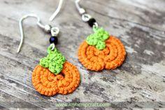 Cute little needle tatted hemp pumpkin earrings. Perfect for the fall and Halloween! #halloween #pumpkins