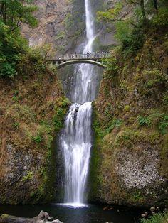 Oregon's Scenic Columbia Gorge and Multnomah Falls