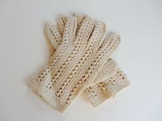 Ecru Hand-Crocheted Lace Wristlet Gloves w/ Mother Of Pearl Buttons