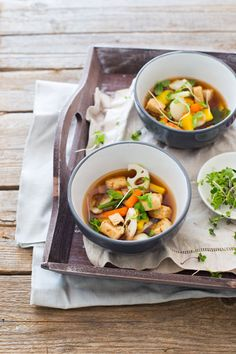 This hot and sour soup recipe is a quick and easy Asian soup that is vegetarian. This dish is full of nutrition and simply delicious. South African Recipes, Asian Recipes, Ethnic Recipes, Hot And Sour Soup, Sweet Chilli Sauce, Asian Soup, Food Crush, Vegetarian Soup, Warm Food