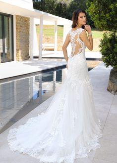 Pretty Wedding Dresses, Lace Wedding Dress, Wedding Dress Trends, Bridal Wedding Dresses, Wedding Dress Styles, Wedding Ideas, Fit And Flare, Lace Bodice, Dream Dress