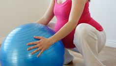 A birthing ball is a must-have for every pregnant woman hoping for an easier pregnancy, better birth and happier postpartum. embarazadas fashion fotos ideas moda diet first yoga fashion fotos outfits tips women Working Out While Pregnant, Prenatal Appointment, Pregnancy Labor, Pregnancy Pilates, Pregnancy Foods, Pregnancy Workout, Birthing Ball, Stages Of Labor, Hospital Birth