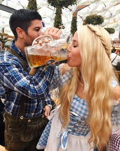 Couples Travel Travel like a champion, and recruit like a champion. Oktoberfest in Munich is AMAZINGNESS! I can't wait to go with Jon 😍 Oktoberfest Outfit, Oktoberfest Party, Oktoberfest Hairstyle, Romantic Destinations, Romantic Vacations, Romantic Getaway, Romantic Travel, Travel Destinations, Travel Goals